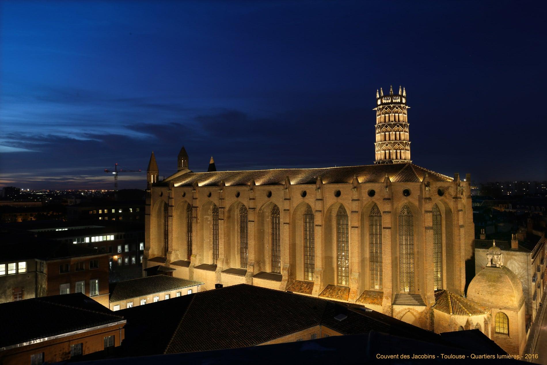 La nouvelle mise en lumière a pour objectif de révéler l'architecture du clocher, dans des tonalités douces et nuancées.
