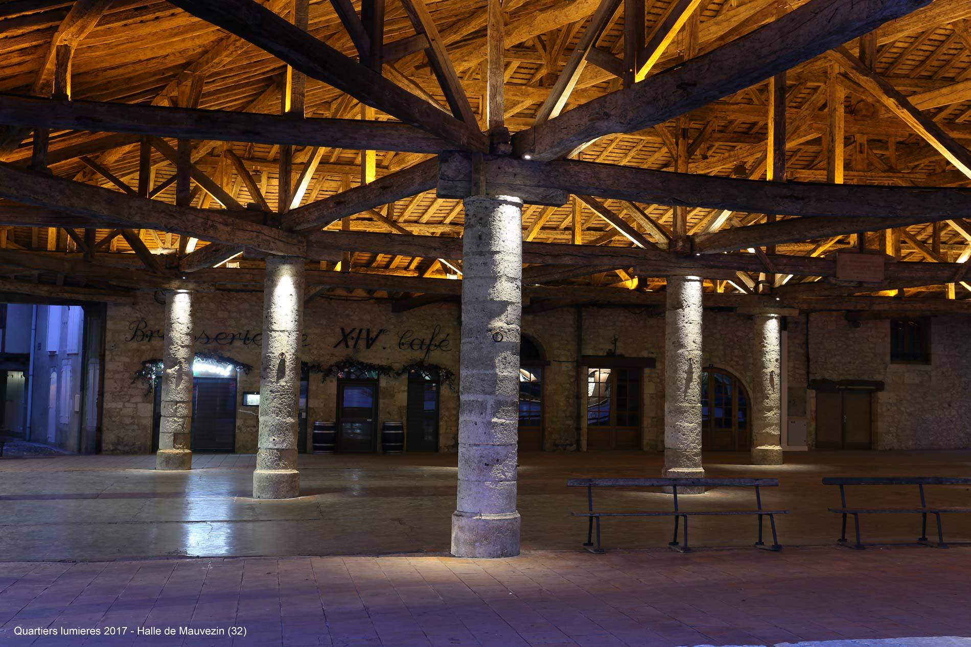 Mise en lumière de la halle et de l'église de Mauvezin