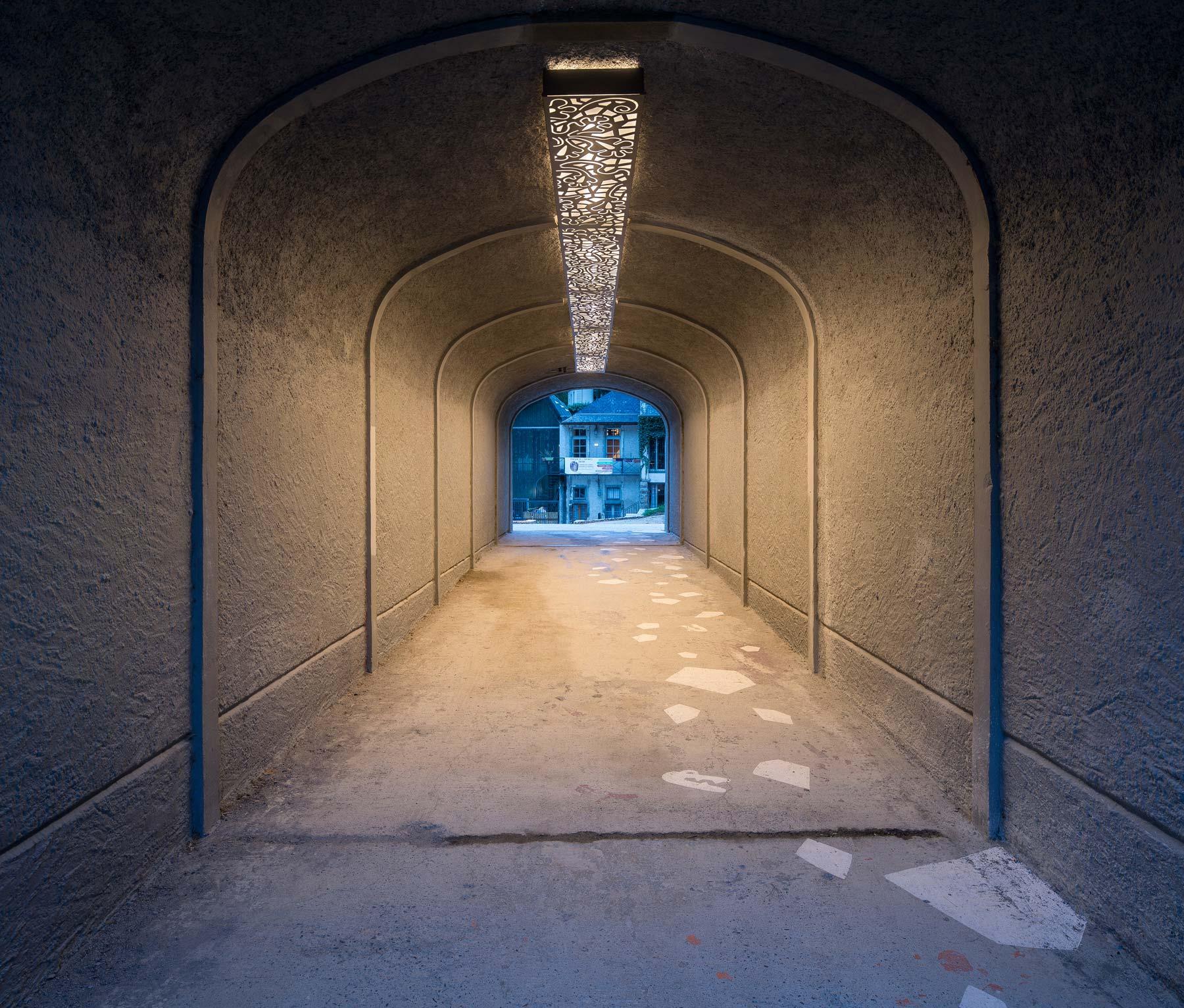 tunnel éclairé à pau