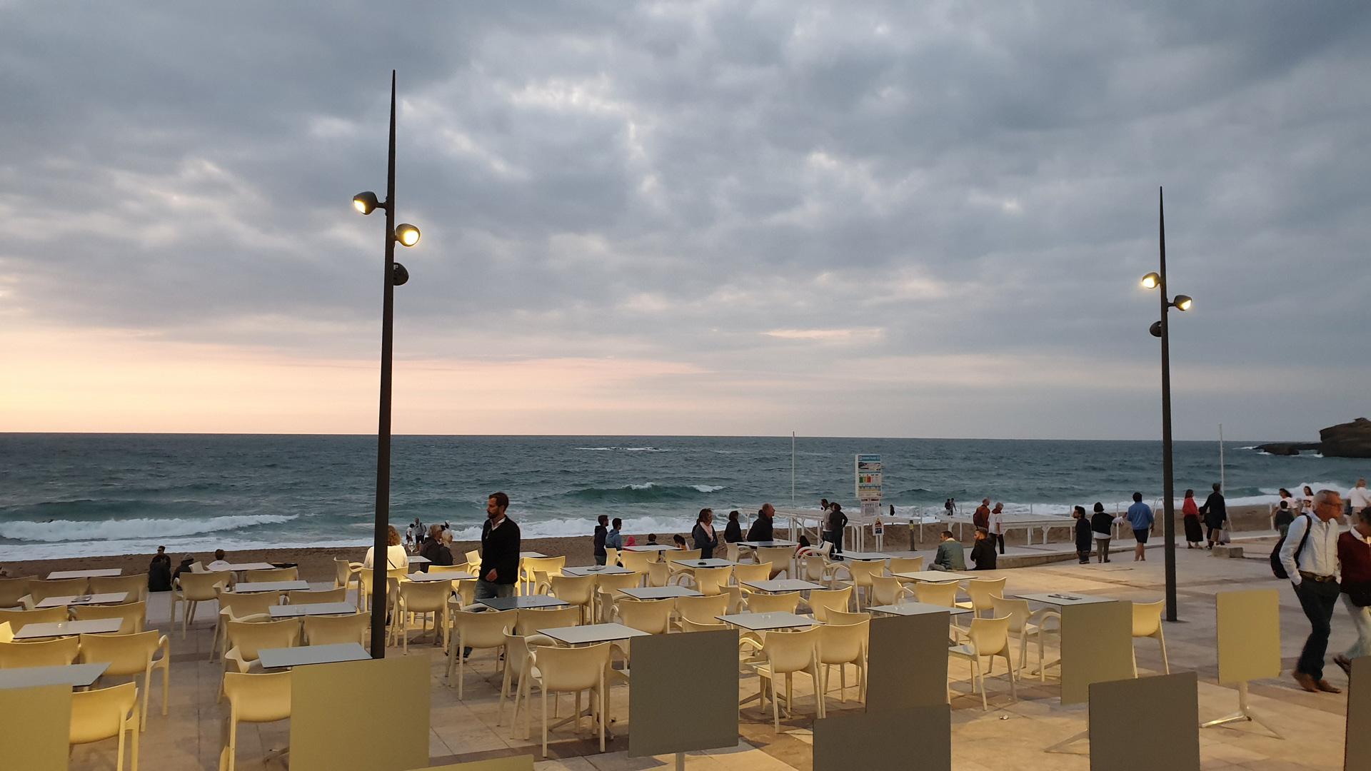 terrasses à biarritz coucher de soleil