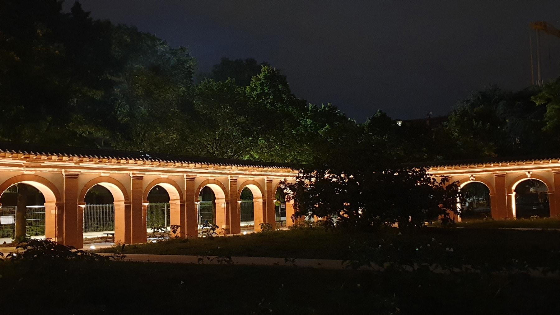 éclairage du cloitre des chartreux de toulouse la nuit