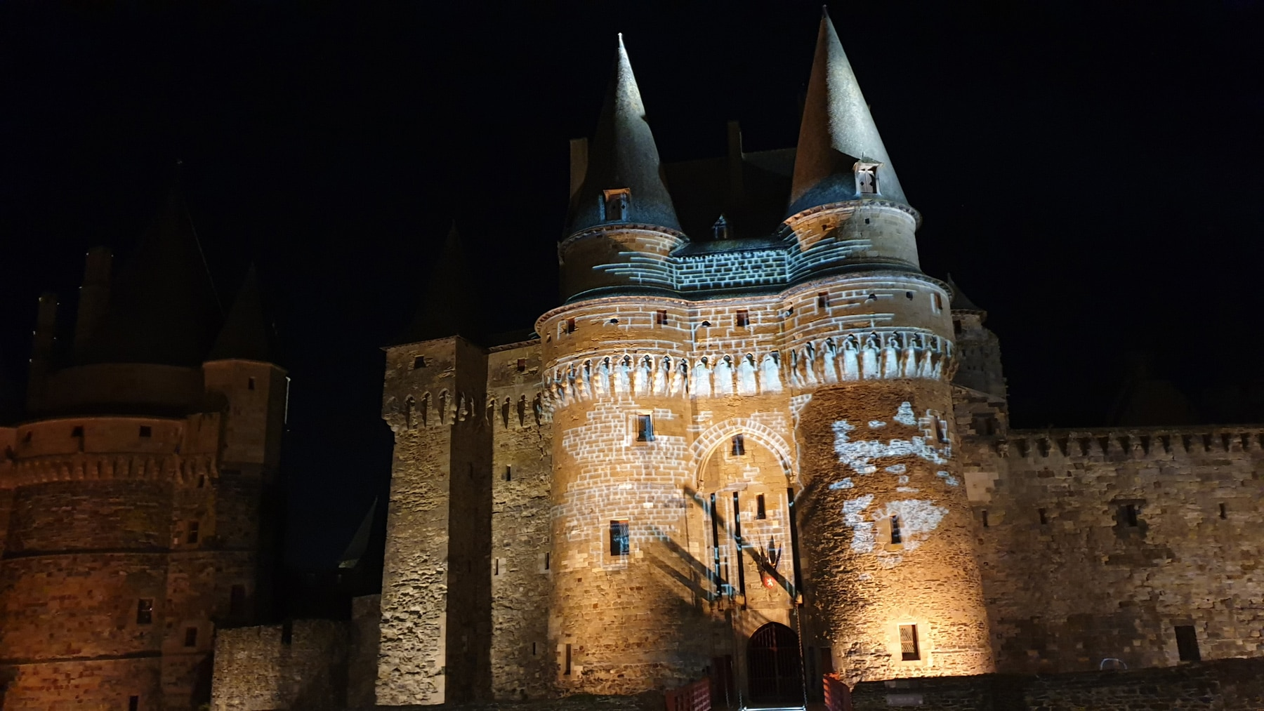 projection d'image gobo sur chateau